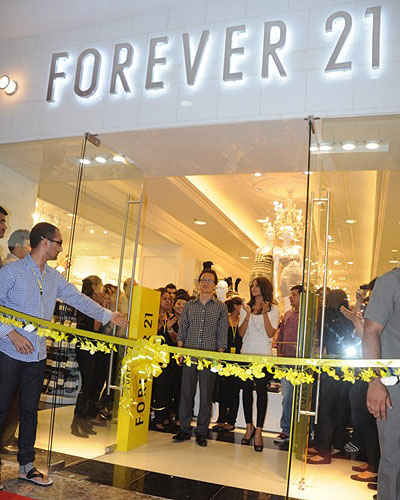 Forever 21 is the authority on fashion & the go-to retailer for the latest trends.