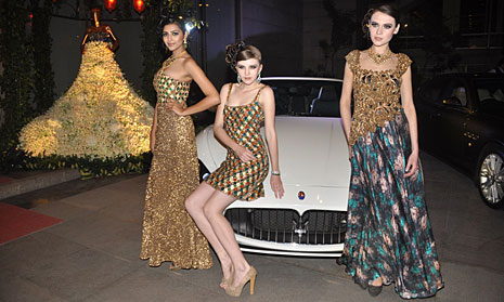 f5fed18f17 Charu Parasher Couture - Fashionfad