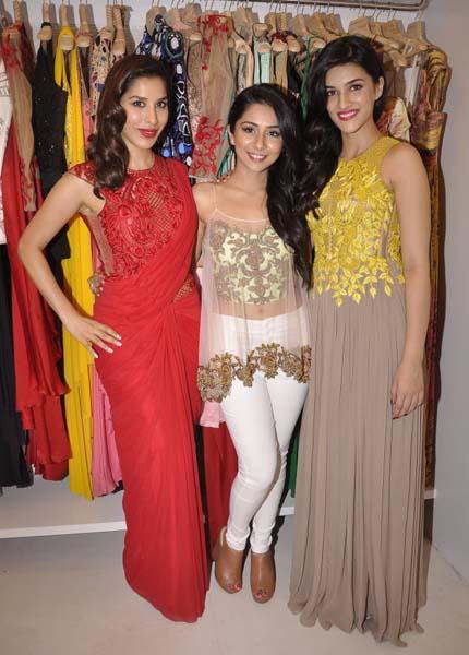 Sonaakshi Raaj Flagship Store Fashionfad