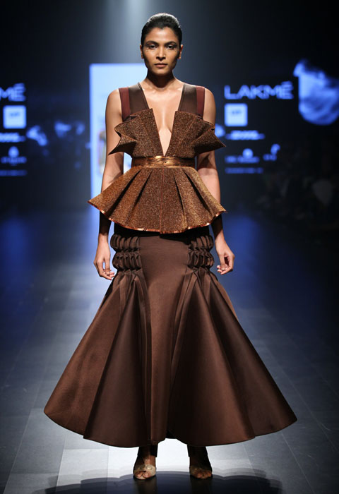 Amit Aggarwal At Lakme Fashion Week S R 2016 Fashionfad