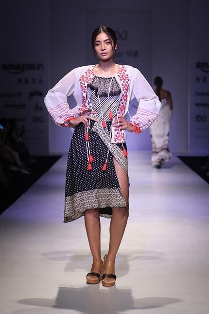 d1eb5ef379d6 Rina Dhaka show at AIFW SS18 - Fashionfad