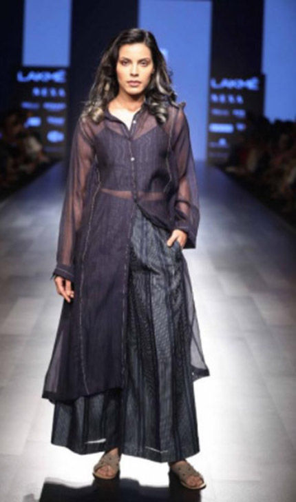 Ragini Ahuja and Dhruv kapoor show at Lakme fashion week SR18