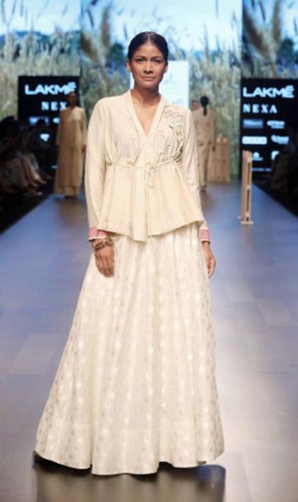7f6a04db24e48 Amoh by Jade show at Lakme fashion week SR18 - Fashionfad