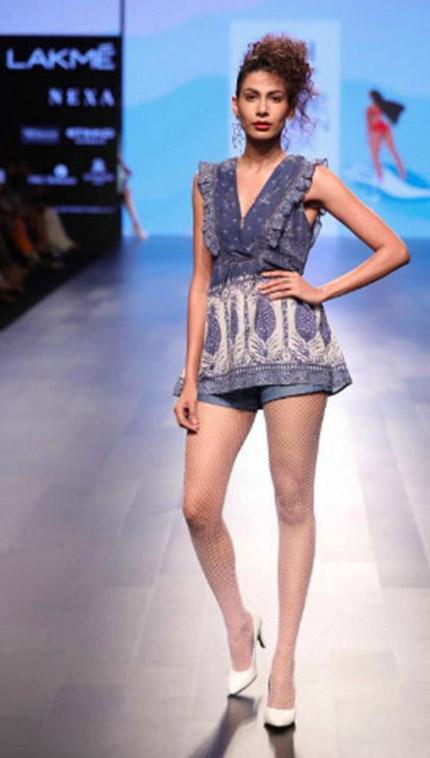 Ritu Kumar Show At Lakme Fashion Week Sr18 Fashionfad