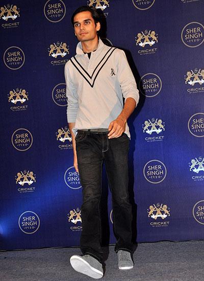 a8bce6d40d9a Sher Singh Online - Fashionfad