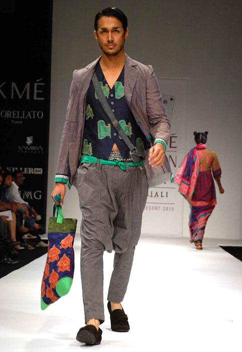 8eb4dc54347 Neelanjan Ghosh at Lakme Fashion Week S R 2010 - Fashionfad